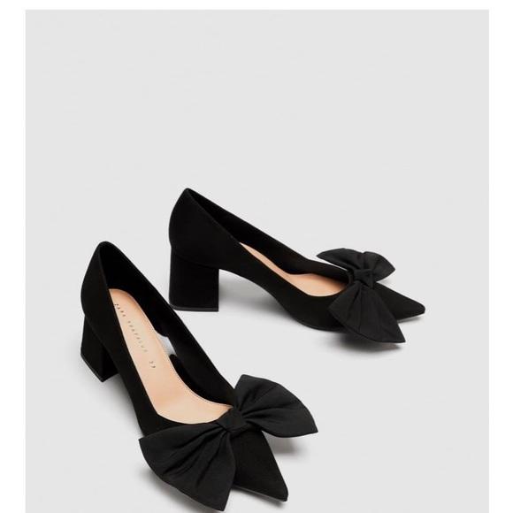 bd299dc1c41 Zara Medium Heel Court Shoes with Bow. M 5aedd80a3800c502fba9da27